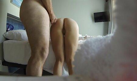मारिया ओजवा ने अपने हॉट क्लीवेज को आउटडोर दिखाया सेक्सी मूवी फिल्म पिक्चर