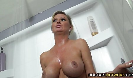 सुंदर bf पिक्चर सेक्सी मूवी गोरा एलिक्स लिंक्स उसके स्तन पर एक भार हो जाता है