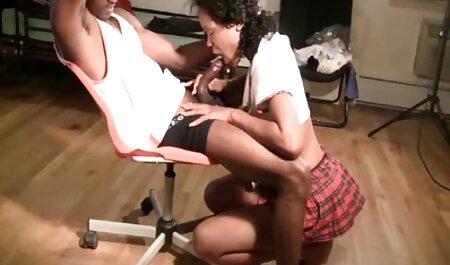 पैगी एशले ने अपनी प्रेमिका को खिलौनों के साथ बीपी सेक्सी मूवी पिक्चर उसकी योनी से धुएं को बाहर निकालने में मदद की