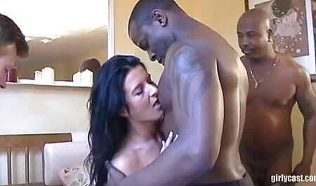 युवा बीबीडब्ल्यू सेक्सी पिक्चर वीडियो एचडी मूवी बिस्तर पर गड़बड़ हो जाता है।