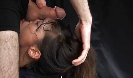 टॉयलेट सेक्सी इंग्लिश मूवी पिक्चर में प्यारा किशोर कमबख्त