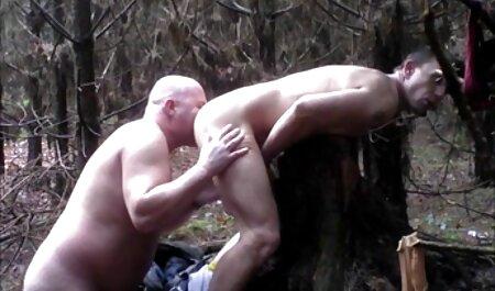 स्टीव हूपर डिल्डो और लंड की लड़ाई में संलग्न है और मुर्गा जीतता सेक्सी मूवी पिक्चर हिंदी में है