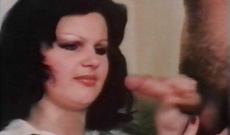 हॉर्नी माँ अपने सेक्सी पिक्चर हिंदी वीडियो मूवी gf आउटडोर कर रही है